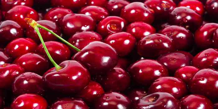 How to Freeze Cherries For Smoothies