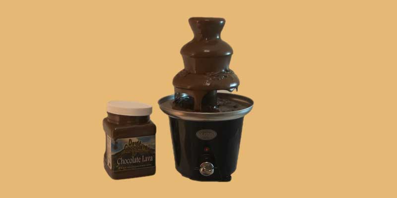 how does a chocolate fountain work